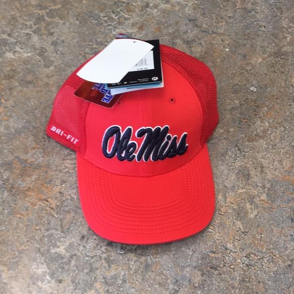 ebb8fea74fb Mississippi Ole Miss Rebels Nike Flex Fit Hat Cap